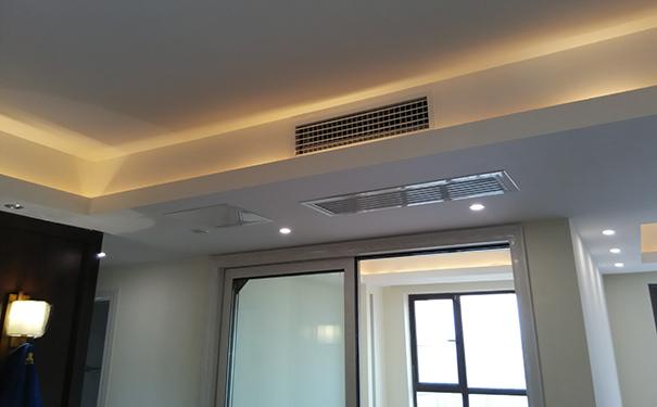 菱耀系列家用中央空调采用分歧箱连接设计,静音,安装便利,维修方便